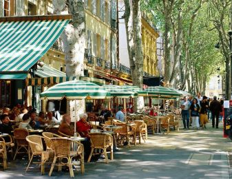 Outdoor Cafe in Aix