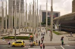 Cisneros Plaza - 300 Tower Lights